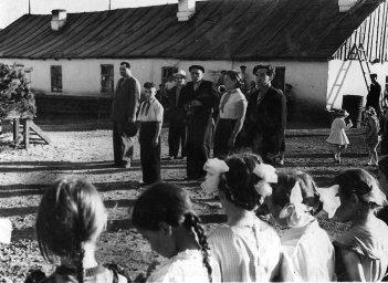 """1958 год, Атка, открытие летней """"площадки"""""""