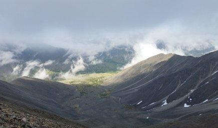 Вид на долину с Маймаджинского хребта.