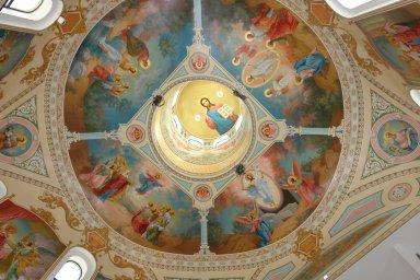 Роспись центрального купола изнутри, лето 2014 года.