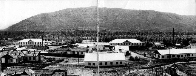 1956 год, центральная часть панорамы посёлка